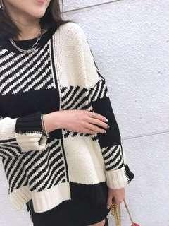 Made in Korea 韓國 米白x黑 鬆身 厚身 型格冷衫 上衣 裙 Top free size