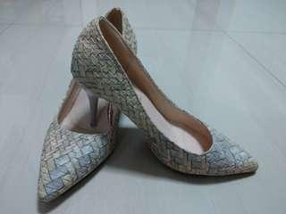 Slim Heels Woven pattern pastel colors