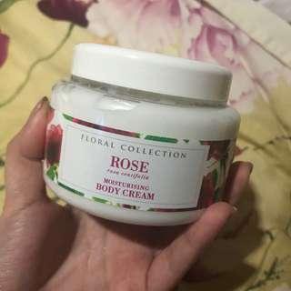 Marks and Spencer Body Cream (Rose 🌷)