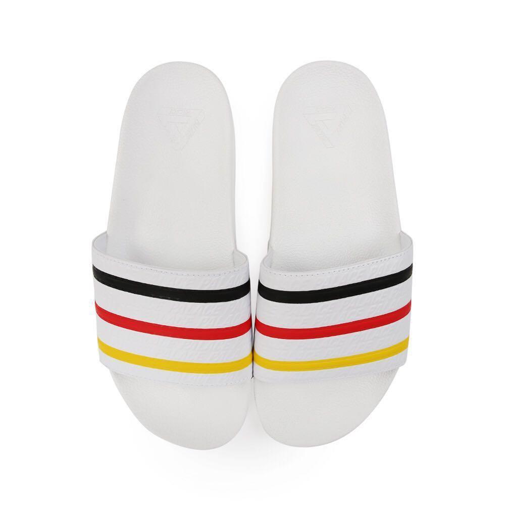 b3f1e7f4 Adidas x Palace Adilette, Men's Fashion, Footwear, Slippers ...