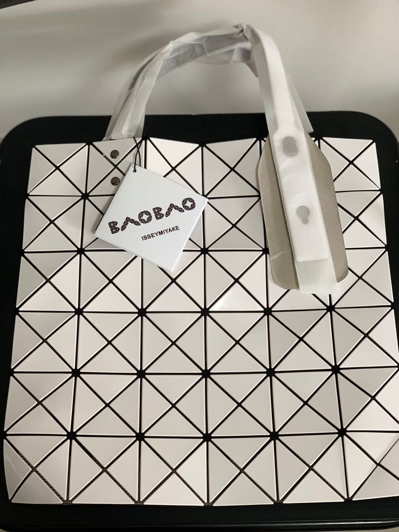 2ab19b9150a Authentic Bao Bao Issey Miyake Lucent Tote, Women s Fashion, Bags    Wallets, Handbags on Carousell