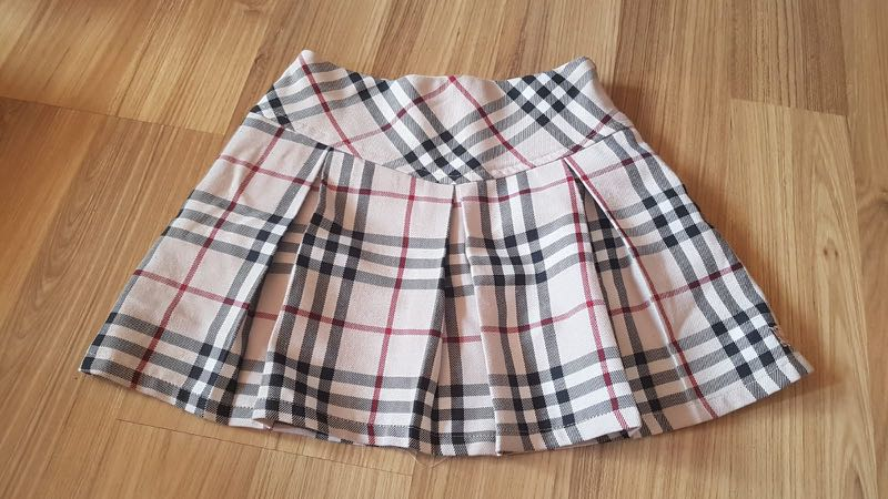 044450538e6d Authentic Burberry Checkered Skirt