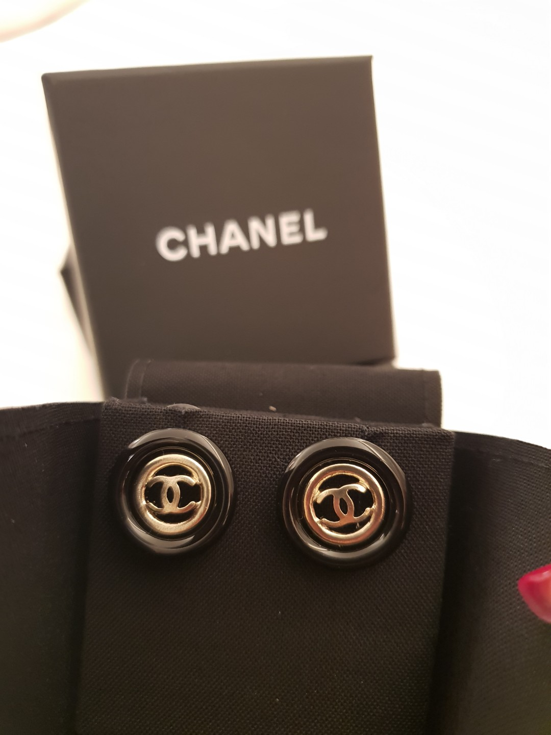 82a821c9b1dca AUTHENTIC Chanel Gold Double C Earrings