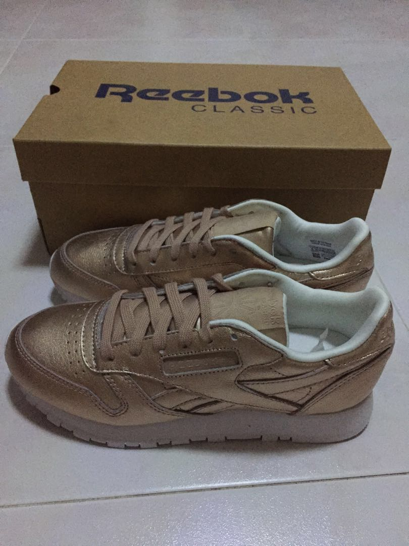 e5c9702df6f BNIB Reebok Rose Gold Sneakers BS7897 CL LTHR L new
