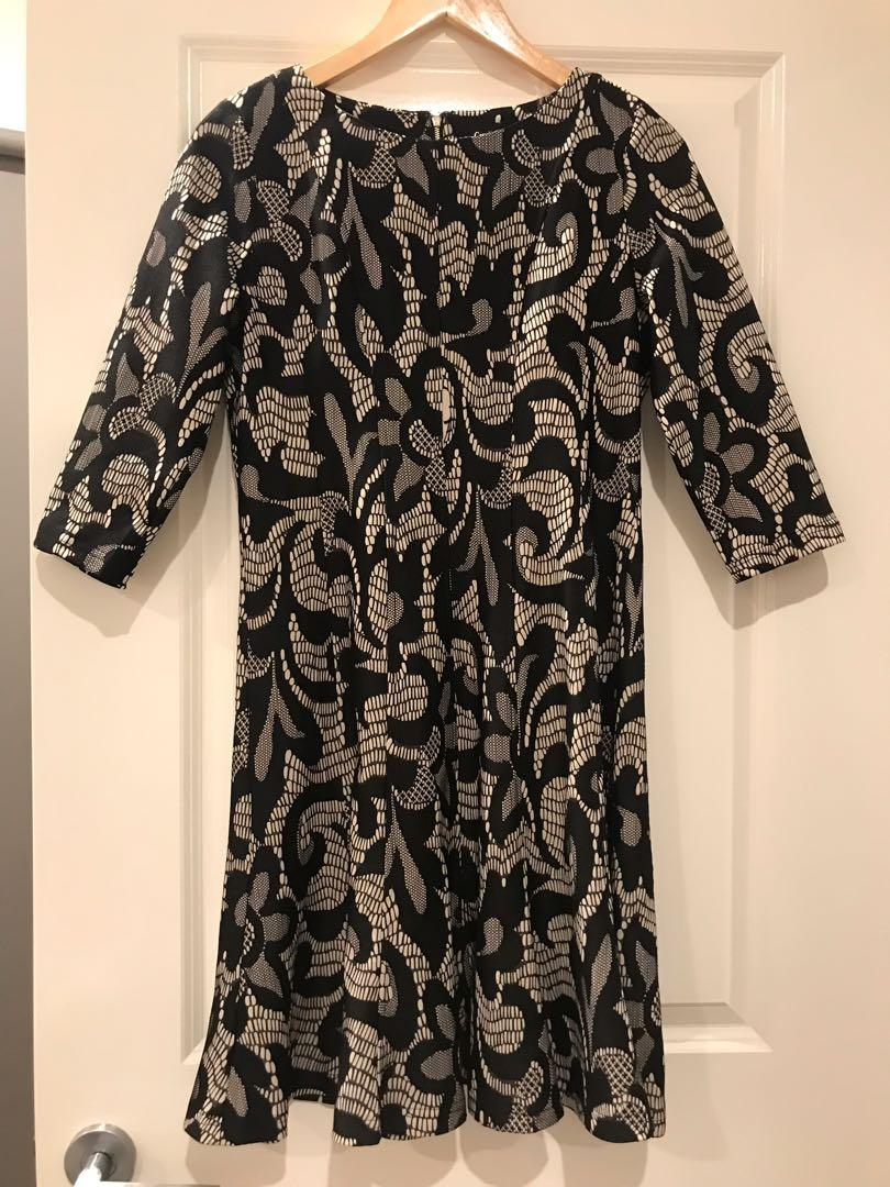 Caroline Morgan Black and Cream Long Sleeved Dress Size 12 BNWT