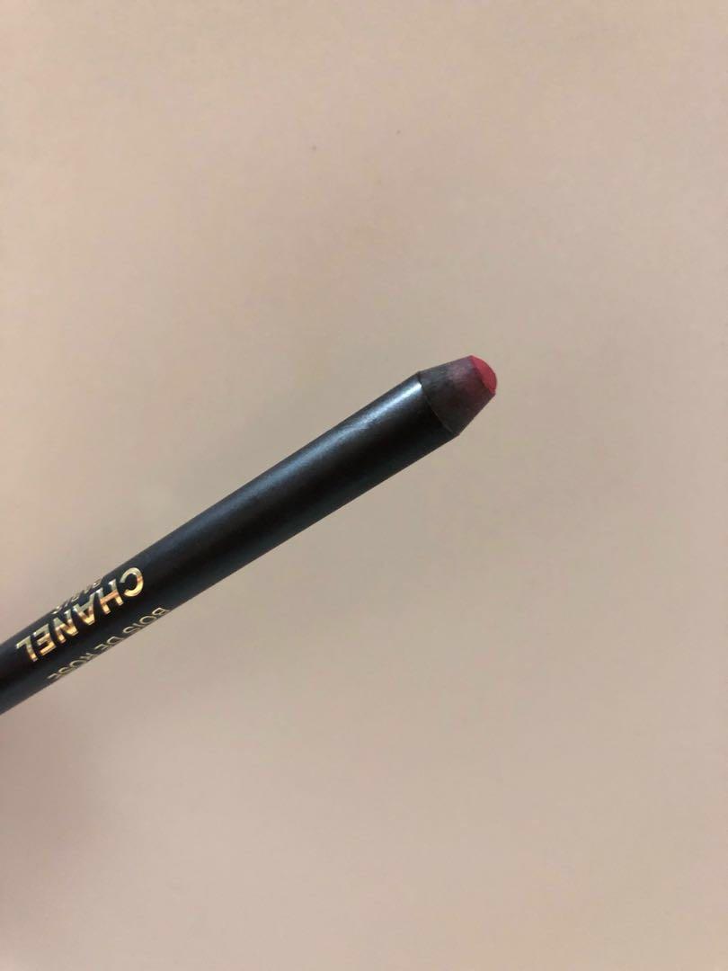 34f780f0 Chanel lip definer