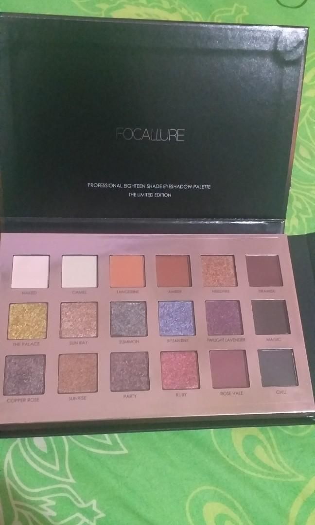 Focallure Twilight Eyeshadow Palette