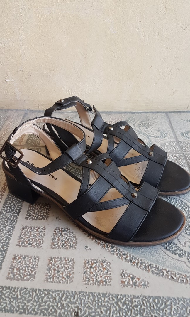 f55e838615c2 Gibi Collection Sandals
