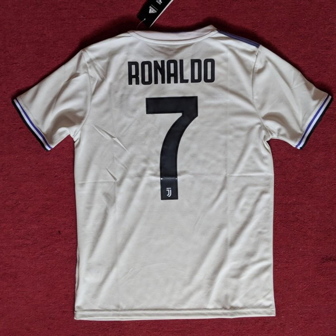 new product ea526 7f213 Juventus Away Size S Ronaldo 7