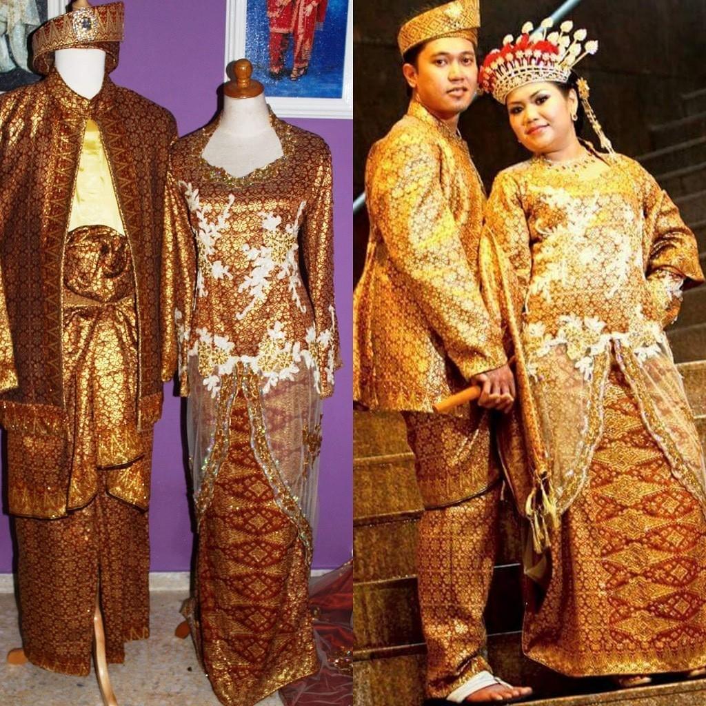 Malay Bridal Wear / Baju Pengantin in brown & gold / Mak Andam