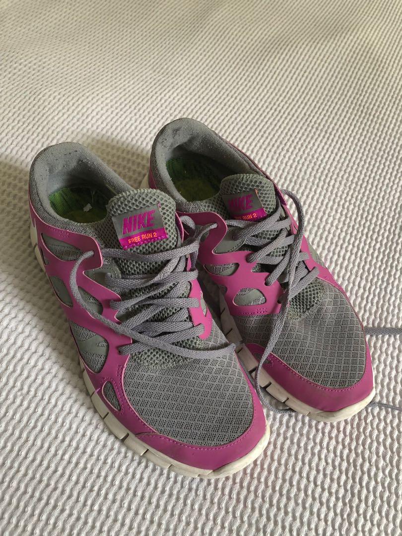 Nike Free Run 2 Sneakers (size 10