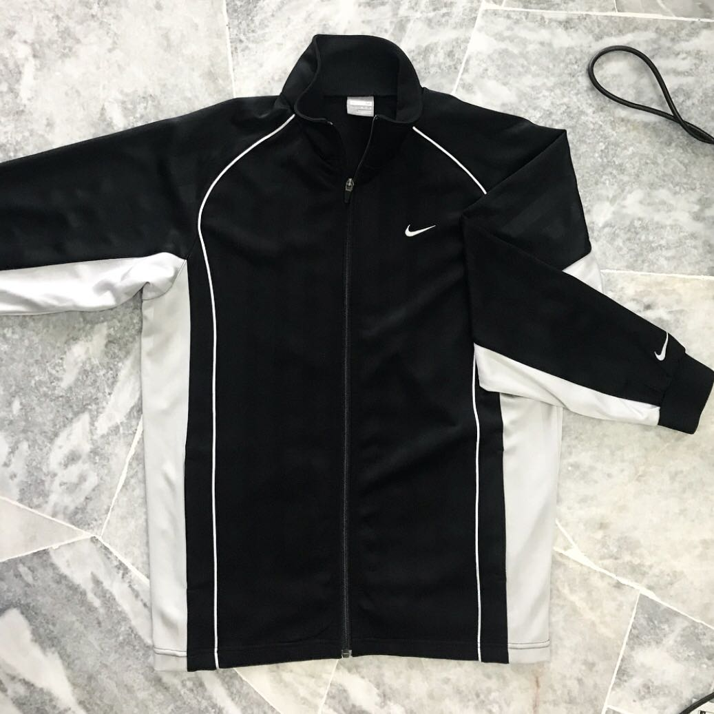 79d5d9bb9ae Vintage Nike Jacket, Sports, Sports Apparel on Carousell
