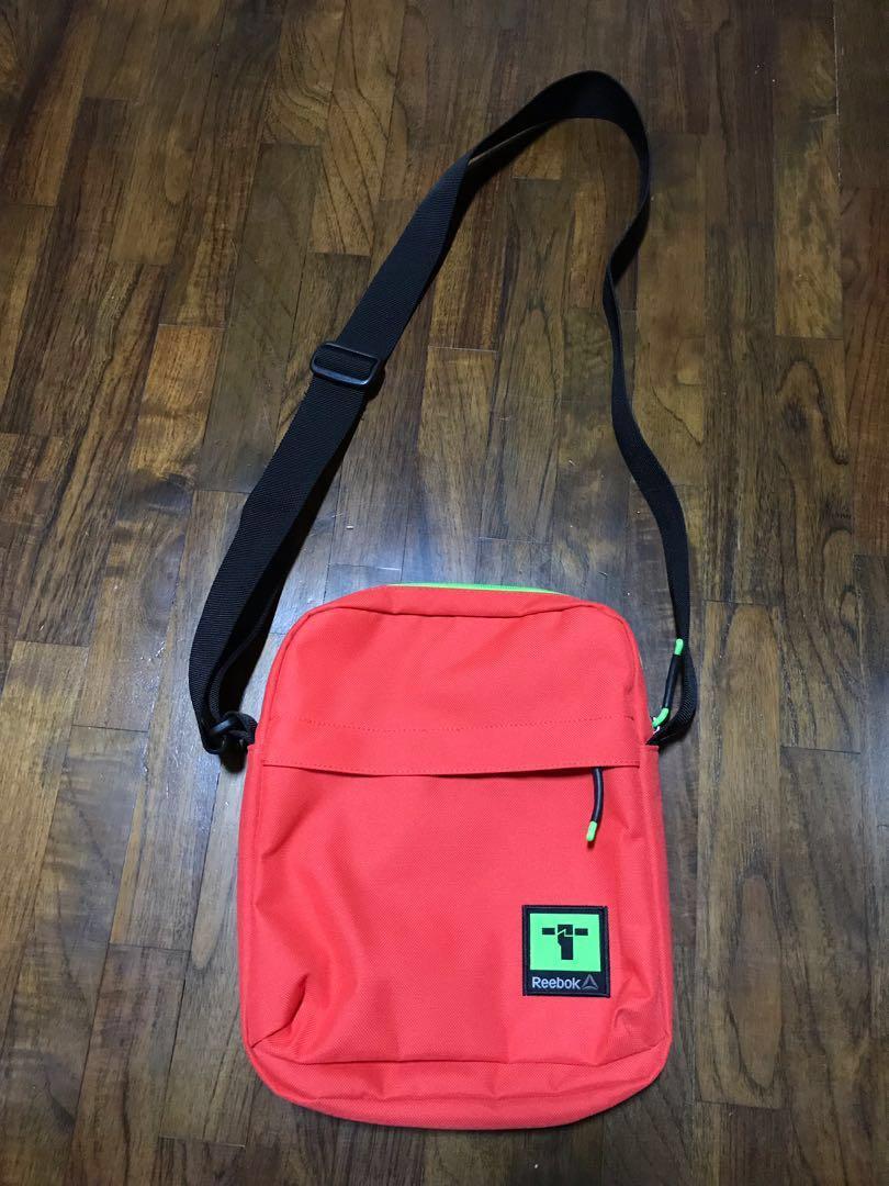 7ebd961ac78f REEBOK Sling Bag (iPad size)