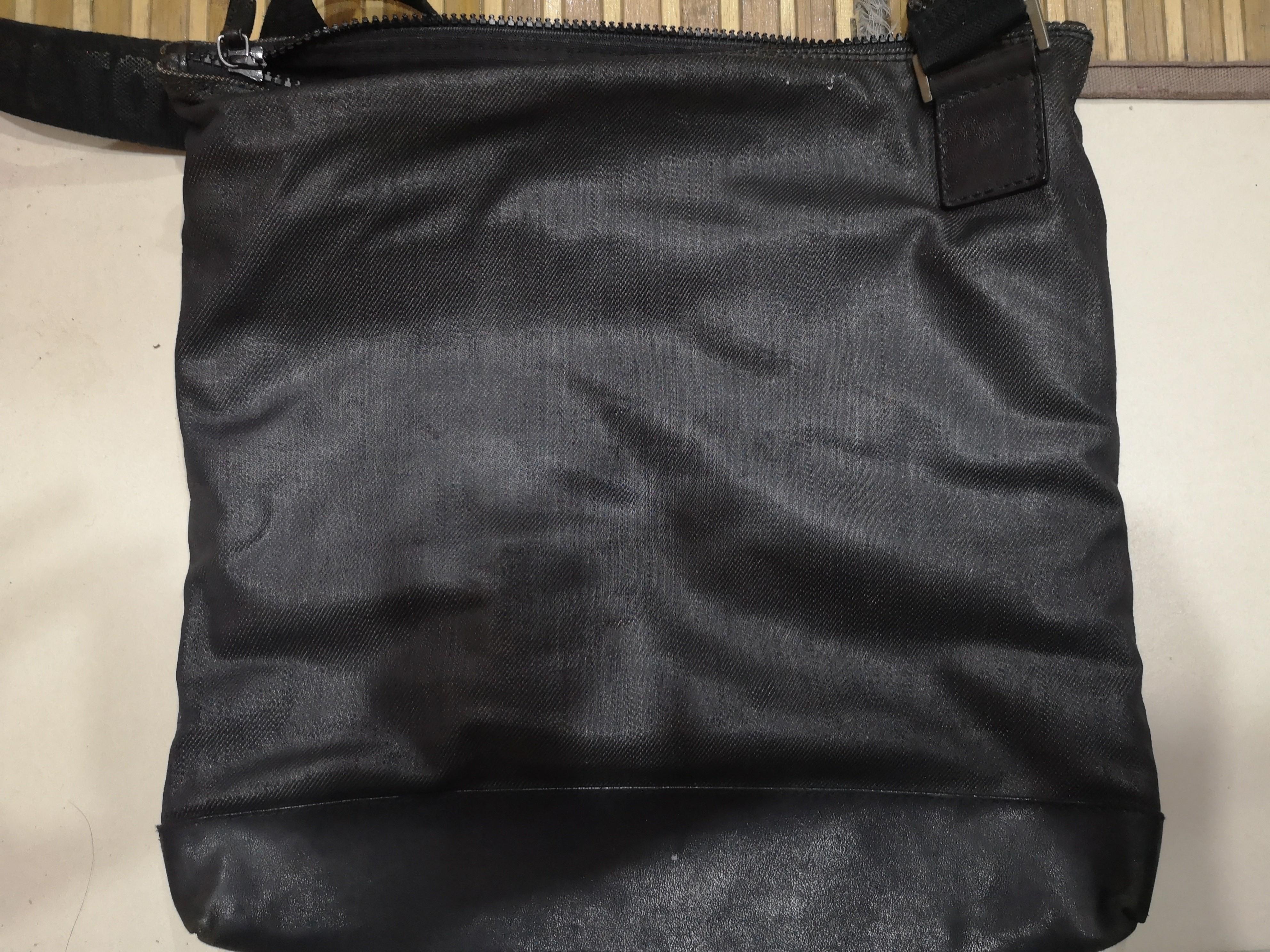 77e35d12d1 Salvatore Ferragamo Sling Bag