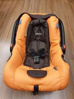 Halford baby carrier (New, never use before)
