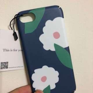 🚚 Iphone8 手機殼保護殼 文青 藍色小白花 硬殼