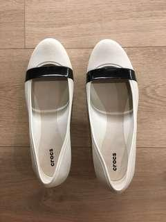 Crocs low wedge, black and white (Price reduced)