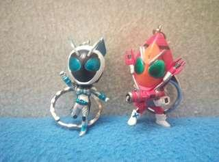 Kamen rider fourze and nadehisko keychain