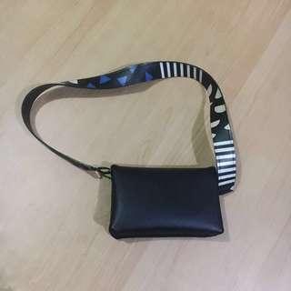 Sling Bag Berrybenka