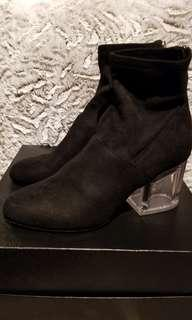 Steve Madden Lusty Bootie 7.5 - worn once only