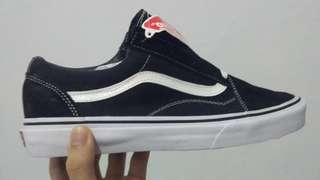 Vans oldschool black and white (BNIB) 100% new