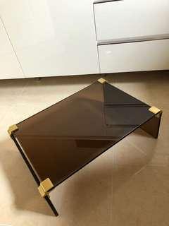 茶色玻璃架