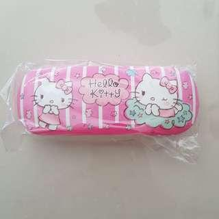 Hello Kitty Spectacle Shade Case