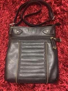 New Look black sling bag