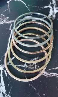 Set of 6 bangles - preloved