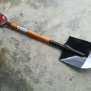 BE&H Wood Handle Shovel Scott Sikul Hulu Kayu Tajam