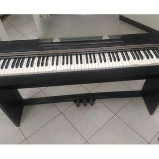 Piano for sale (defective)