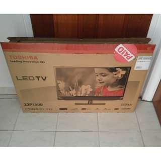 "Toshiba 32"" LED Empty TV Box (Reserved)"