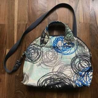 Tulisan Mungil sling bag