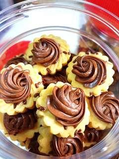 Yummy home baked Choco Rice, Oreo Chunky & Nutella Tarts 👍🏼