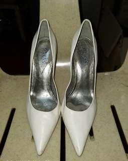 GUESS White High Heels (4in)