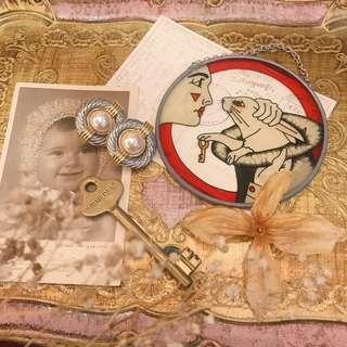 VINTAGE 老台灣製 80年代 全新庫存 古董 圓形 金銀拼色 立體 扭結 夾式 耳環 / 老耳環