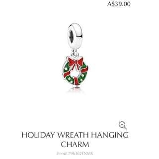 Pandora holiday wreath hanging charm
