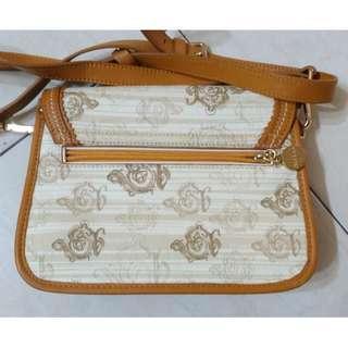 Sembonia Sling Bag