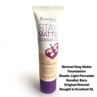 [FREE DELIVERY] Rimmel Stay Matte Foundation in Light Porcelain