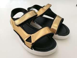 Brand new gold sandal for girls
