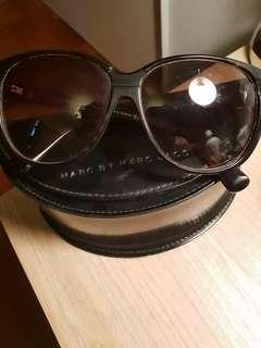 Cool Marc Jacobs sunglass with case
