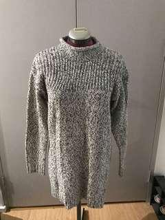 Black and white grey looking high kneck skivvy knit