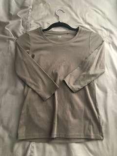 Uniqlo Supima 3/4 Sleeve Top