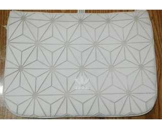 Adidas Originals - 3D Geometric Sleeve Clutch White [Unisex]