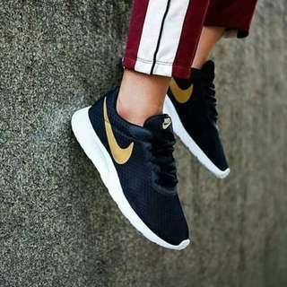 Nike Tanjum Black Gold