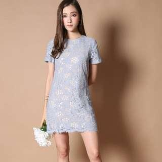 🚚 The Stage Walk Winsome lace Shift Dress in Dusty Blue