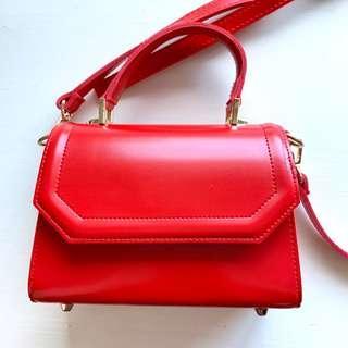 紅色皮革小包