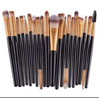 🚚 Premium Makeup Brushes