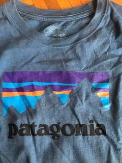 Men's Patagonia medium long sleeve