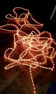 聖誕新年燈光3分粗全長约60呎不可焛其中有兩處不著西貢區